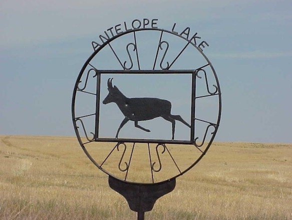Antelope Lake entry sign